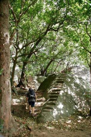 Aufstieg auf den Pidurangala Felsen