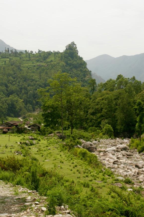 Die letzten Kilometer durch grüne Landschaften