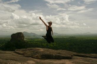 Ein Sprungbild muss auch auf dem Pidurangala Felsen sein