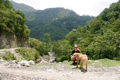 Einer unserer treuen Wegbegleiter gemeinsam mit Jasmin
