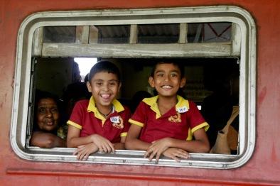 Kinder freuen sich, wenn wir Fotos von ihnen machen