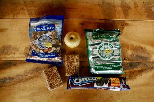 Snacks für zwischendurch auf dem Poon Hill Trek