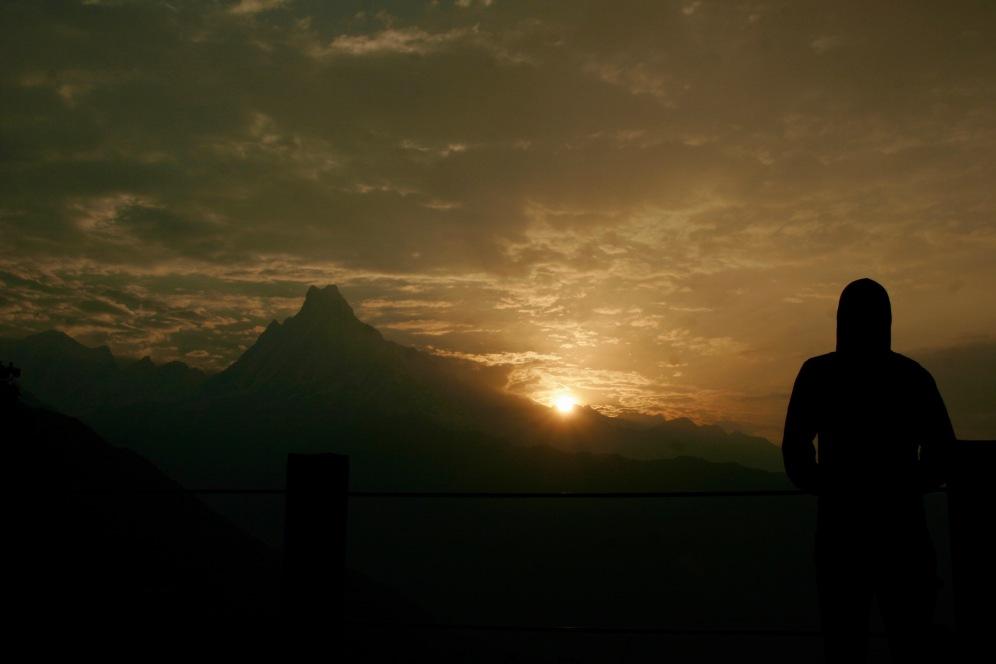 Sonnenaufgang über dem Fishtail Berg am dritten Wandertag