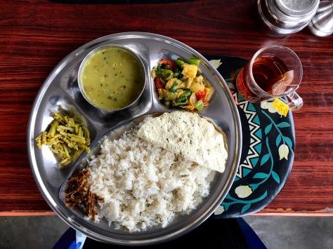 Tägliches Mittagessen nach dem Trekken Dal Bhat