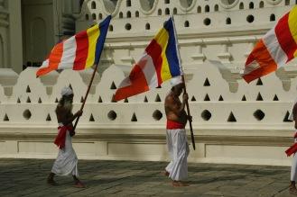Zeremonie vor dem heiligen Zahntempel in Kandy