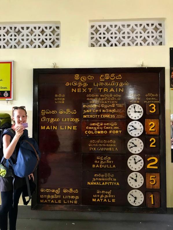 Zugickets sind gekauft - auf nach Nuwara Eliya