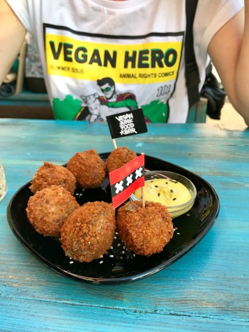 Vegan Junk Food Bar: Bitterballen