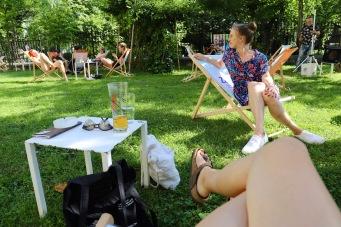 Im Sommer spielt sich das Leben draußen in Cafés ab, Ljublijana