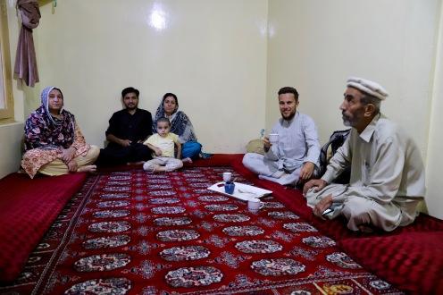 Chai bei Ifti und seiner Familie