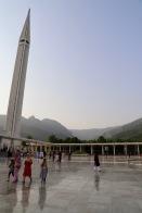 Faisal Moschee mit Margalla Hills im Hintergrund