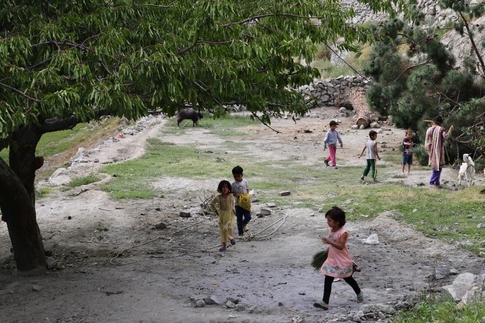 Kinder spielen in Karimabad