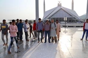 Pakistanis lächeln viel, aber nicht fürs Foto