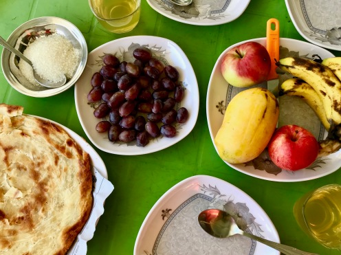 Pakistanisches Frühstück in Chitral