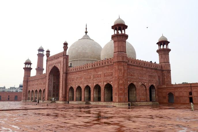 Badshahi Moschee in all ihrer Schönheit