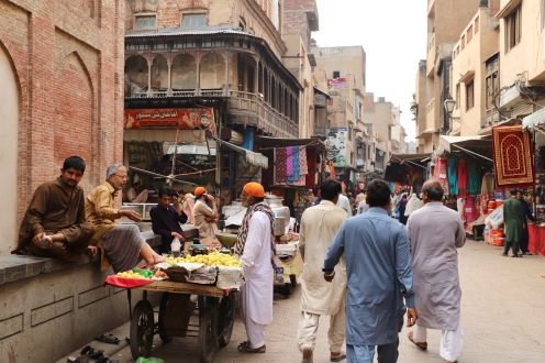 Straßenleben in Lahore