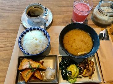 Außergewöhnliches Frühstück im Café Manggha